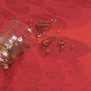 Mille Feuilles Rouge beschichtete Tischdecke