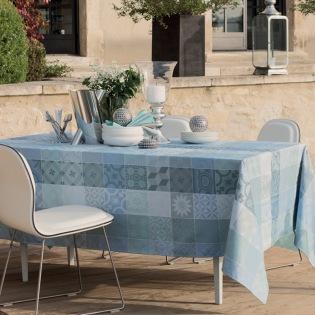 Mille Tiles Bleu Lagon beschichtete Tischdecke