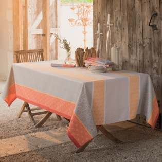 Mille Geometry Mango  beschichtete Tischdecke